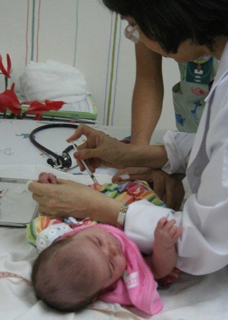 La Asociación Española de Pediatría pide adelantar la vacuna del sarampión