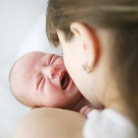 Los probióticos podrían ayudar a disminuir el cólico del lactante en bebés alimentados con leche materna