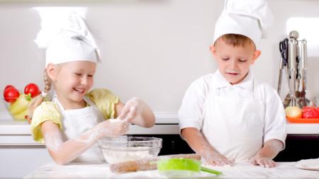 Ninos En Taller De Cocina