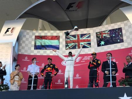 Hamilton gana en Japón y deja el mundial listo para sentencia