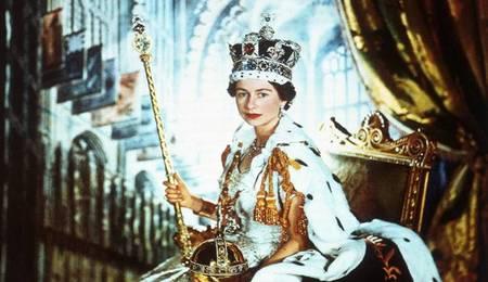 Jubileo de la Reina Isabel II. Exposición en el Victoria and Albert Museum