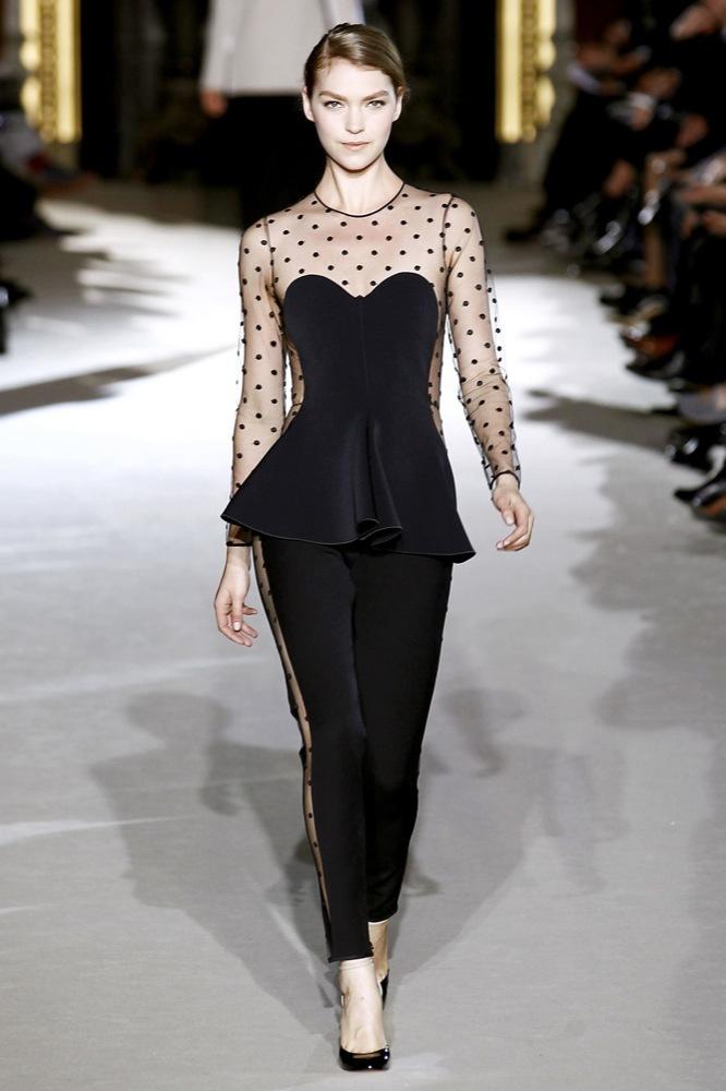 Foto de Stella McCartney Otoño-Invierno 2011/2012 en la Semana de la Moda de París:  (16/25)