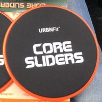 """Nueve ejercicios que puedes realizar con los """"core sliders"""" o discos deslizantes"""
