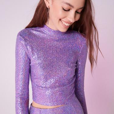 El lila invade la nueva colección de fiesta de Bershka y se acompaña de diseños ochenteros