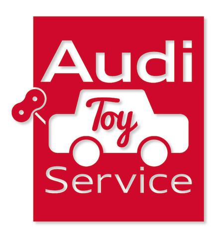 Si tu hijo tiene un cochecito roto que no desea tirar, en Audi Toy Service os dan la solución