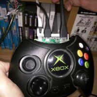 Hazte una alucinante consola portátil con una Raspberry Pi Zero y un mando de la Xbox original