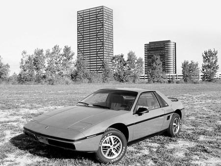 Pontiac Fiero 12