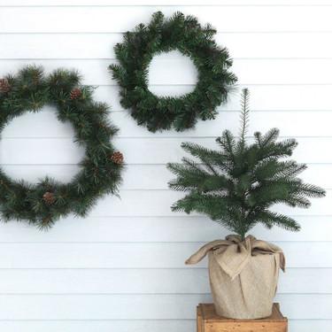 Las guirnaldas y coronas de aspecto natural de Ikea son perfectas para ir creando ambiente navideño en el hogar