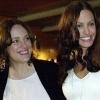 09_Angelina-Jolie-y-su-madre--Marcheline-Bertrand.jpg