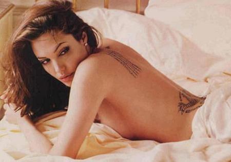 Angelina Jolie se despelota