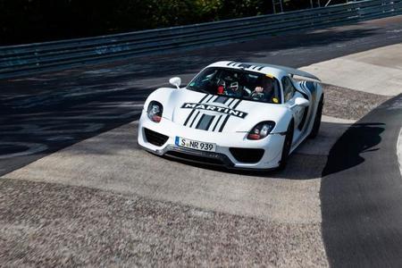 El Porsche 918 Spyder logró el tiempo con salida desde parado