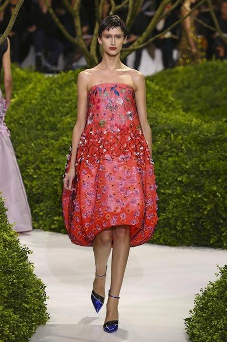 Tendencias de belleza primavera-verano 2013 en la Alta Costura de París: Dior apuesta por el nude y el pixie