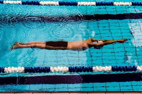 Conoce la técnica de los cuatro estilos diferentes de natación: las claves para nadar de forma correcta