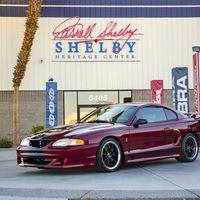 Si tienes un Mustang de antes del 2000 y el dinero suficiente Shelby lo transforma en un Cobra
