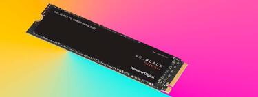 """Dota a tu PC de velocidades de vértigo de hasta 7000 MB/s con este SSD """"pata negra"""" de WD a precio mínimo histórico"""