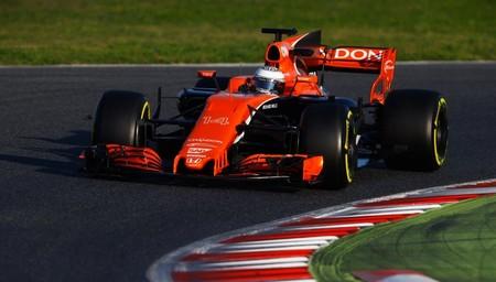 Fernando Alonso empieza la pretemporada con problemas en el McLaren MCL32