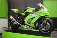 Kawasaki presenta la ZX10R 2011 de Superbikes en Nürburgring