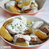 Medallones de solomillo de cerdo con pimentón y salsa de yogur. Receta