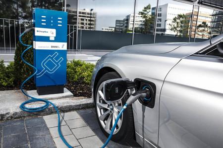 El Gobierno no descarta otro Plan PIVE y apunta a los fabricantes de coches en la lucha contra el cambio climático