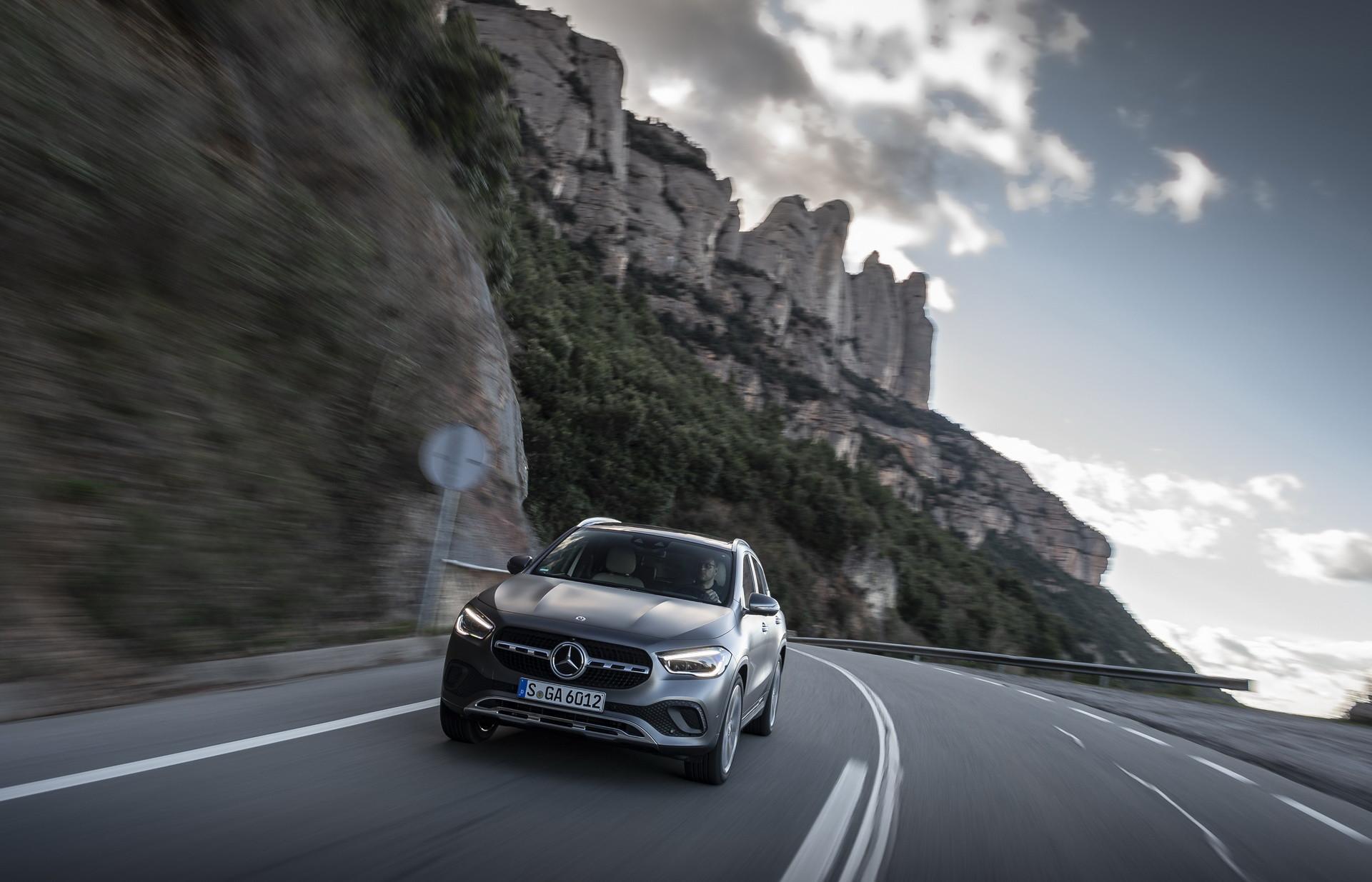 Foto de Mercedes-Benz GLA 2021 (15/103)