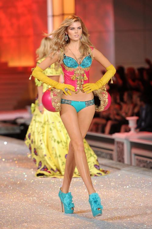 Foto de El desfile Victoria's Secret Fashion 2011: todas las imágenes (28/57)