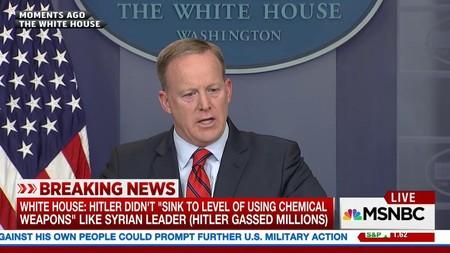 17 cosas que debes saber si eres portavoz de la Casa Blanca (como que Hitler utilizó armas químicas)