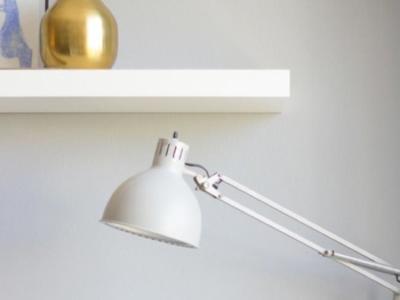 Llena de dorado tu escritorio con estas tres ideas DIY