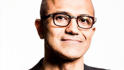 CEO de Microsoft se disculpa por declaraciones hechas contra las mujeres