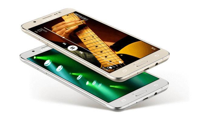 Los Samsung Galaxy J5 2016 y J7 2016 ya son oficiales: renovación sin grandes cambios