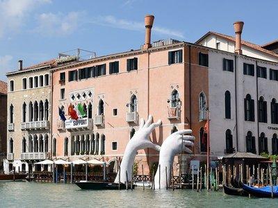 Lo mejor de la Bienal de Venecia: arte, pasión, impacto y el protagonismo de una ciudad eterna