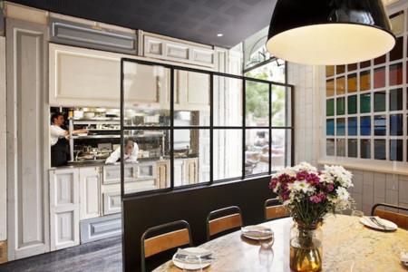 Piérdete por el barrio Gótico de Barcelona y cena en el restaurante Palosanto