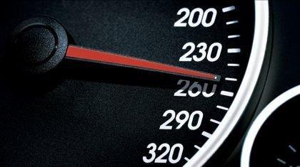 ¿Es el tiempo de aceleración de 0 a 100 km/h una buena medida?