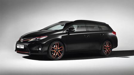 Estudios de diseño para los Toyota Auris Touring Sports y RAV4, para todos los gustos