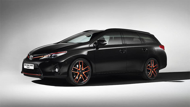 Toyota Auris Touring Sports 'Black'