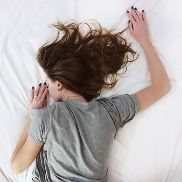 Nueve consejos para padres que duermen poco: si no descansas lo notas tú y lo nota tu bebé