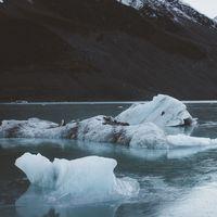 Cuando el suelo se hunde bajo nuestros pies: El fondo marino cede bajo el peso del agua que dejan los glaciares al derretirse