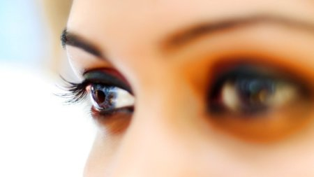 Si tienes manchas blancas alrededor de los ojos puedes tener colesterol alto