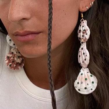 Los pendientes de conchas son el complemento estrella de este verano y puedes hacerte tu propio diseño en casa