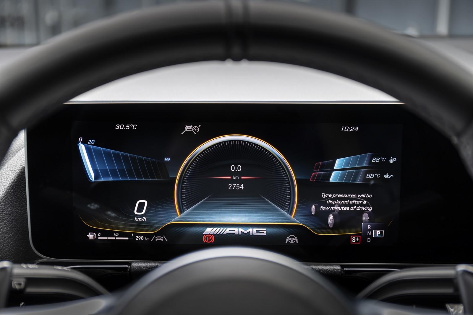 Foto de Mercedes-AMG GLA 45 S 2020 (15/28)