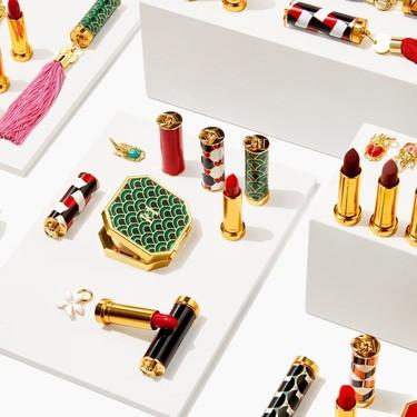 Sencillamente ideales: así son las barras de labios y demás piezas de maquillaje de Carolina Herrera con carcasas intercambiables