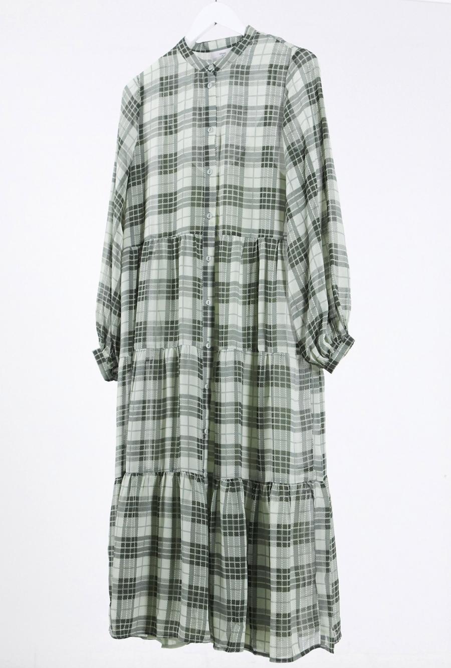 Vestido midi amplio a cuadros verdes de Minimum