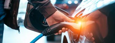 Autos eléctricos no contaminan más que los de gasolina, aun considerando su producción, según estudio: adiós a uno de sus mitos