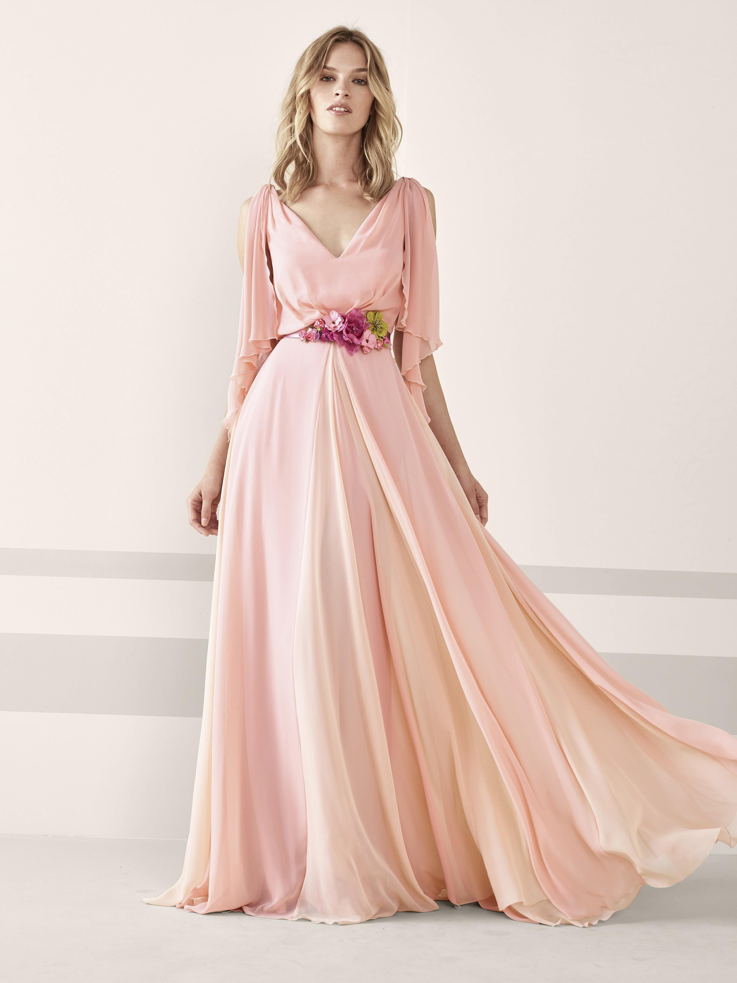 Foto de vestidos de fiesta de Pronovias 2019 (41/161)