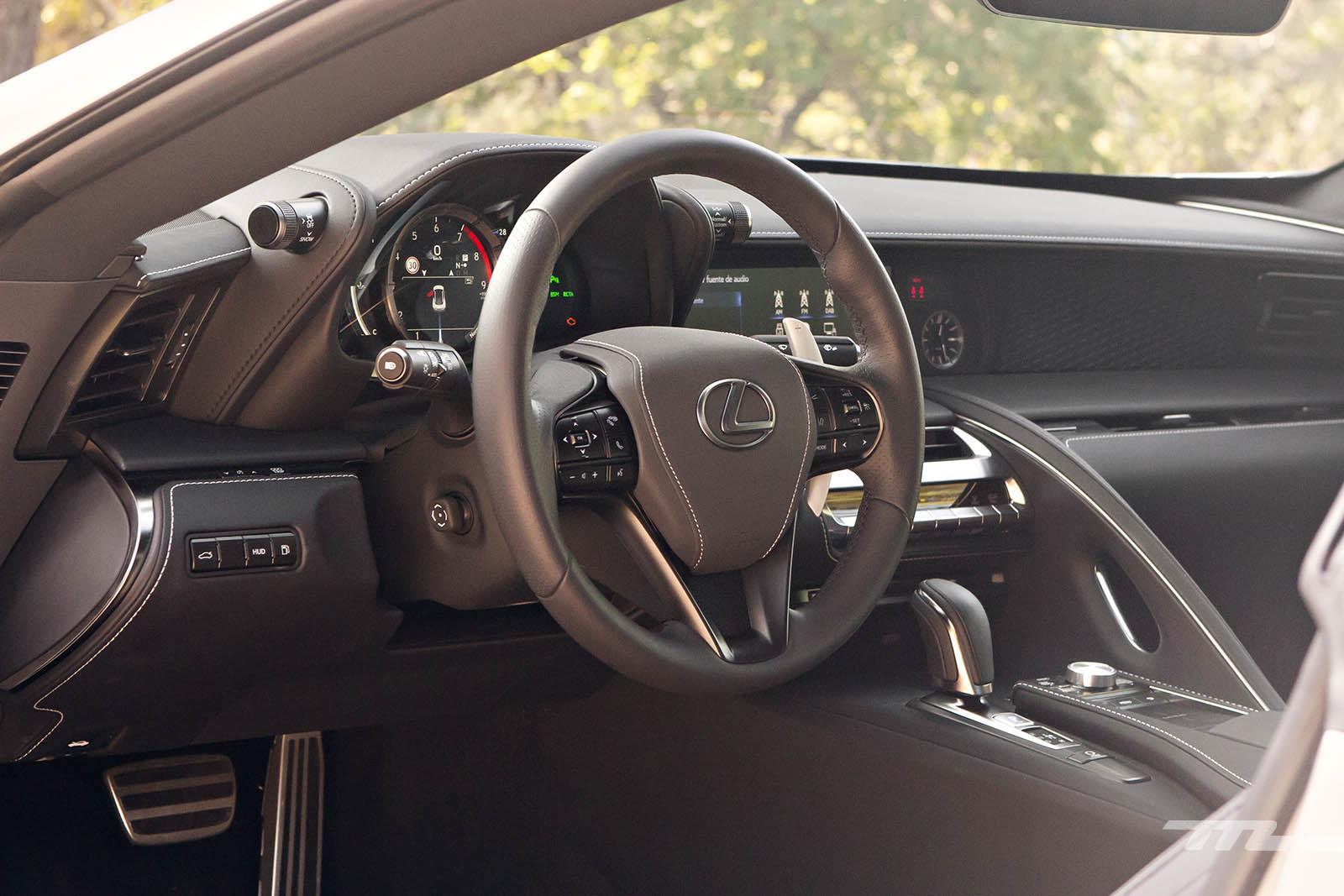 Foto de Lexus LC 500 (40/40)