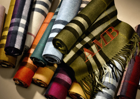 The Burberry Scarf Bar Classic Cashmere Scarve 002