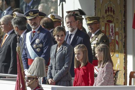 La Reina Letizia, al más puro estilo Kate Middleton, sobria y elegante en el Día de la Hispanidad