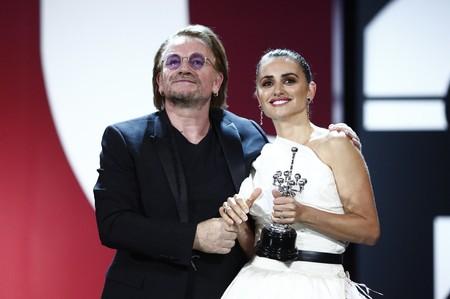 Penélope Cruz se convierte en una bailarina para recibir el premio honorífico del Festival de Cine de San Sebastián