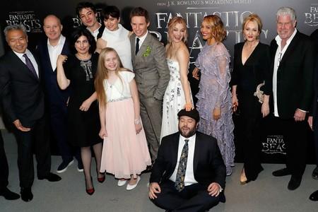 David Yates, J.K. Rowling y parte del elenco en la premiere de la película