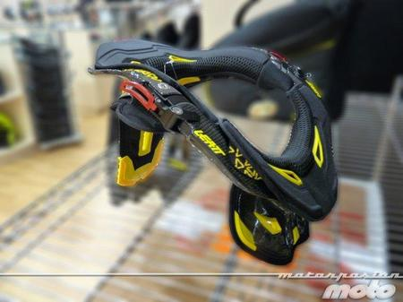 Leatt Brace GPX Pro Full Carbono lateral