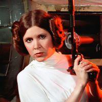 Carrie Fisher, la actriz que interpretó a la Princesa Leia, sufre un infarto en pleno vuelo Londres-Los Ángeles